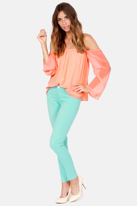 LULUS Exclusive Landslide Off-the-Shoulder Peach Top at Lulus.com!