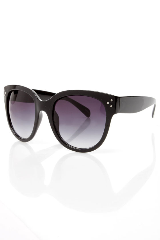 In Sun Respects Sunglasses at Lulus.com!