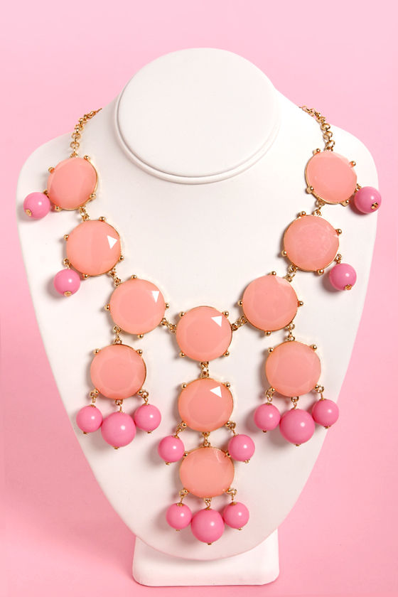 Georgia Peach Pink Statement Necklace at Lulus.com!
