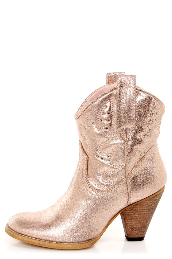 Very Volatile Bolo Rose Gold Metallic Embroidered Cowboy Boots at Lulus.com!