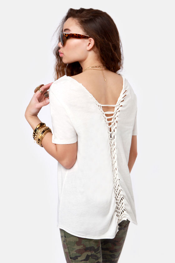RVCA Liquid Time Knotted White Tee at Lulus.com!