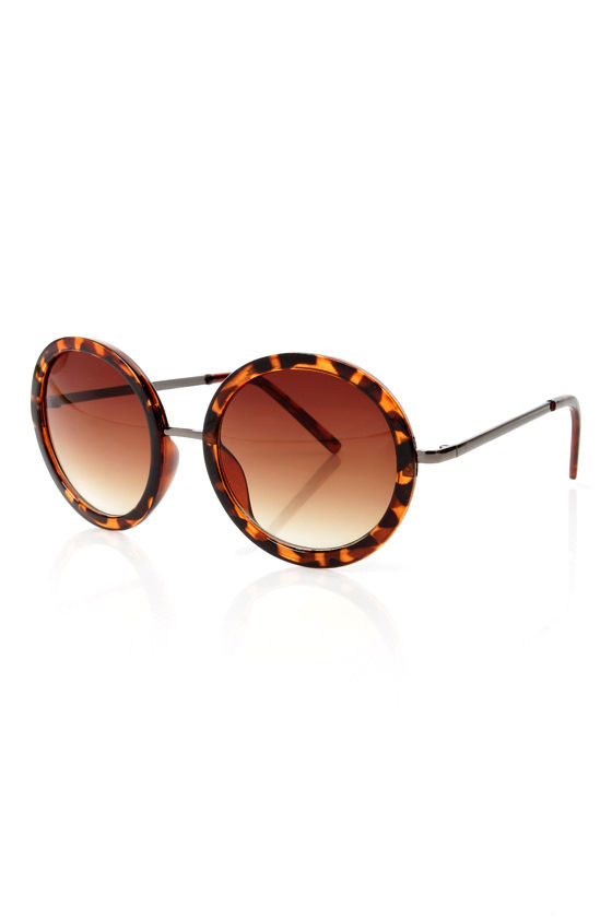 Inner Circle Tortoise Sunglasses at Lulus.com!