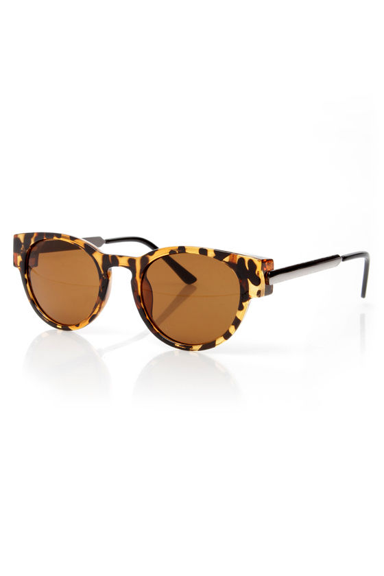 Cooler Than Me Tortoise Sunglasses at Lulus.com!