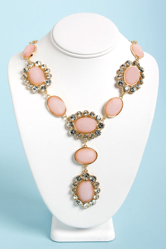 Ice-Capade Peach Statement Necklace at Lulus.com!