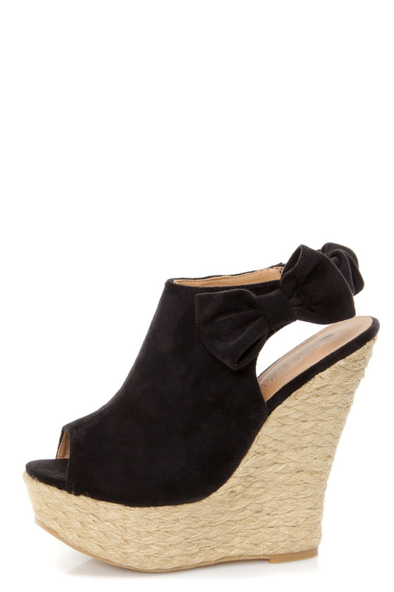 Wild Diva Lounge Kendall 17 Black Peep Toe Clog Platform Wedges at Lulus.com!
