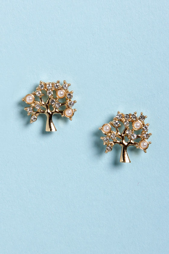 Growing, Growing, Gone Gold Tree Earrings at Lulus.com!