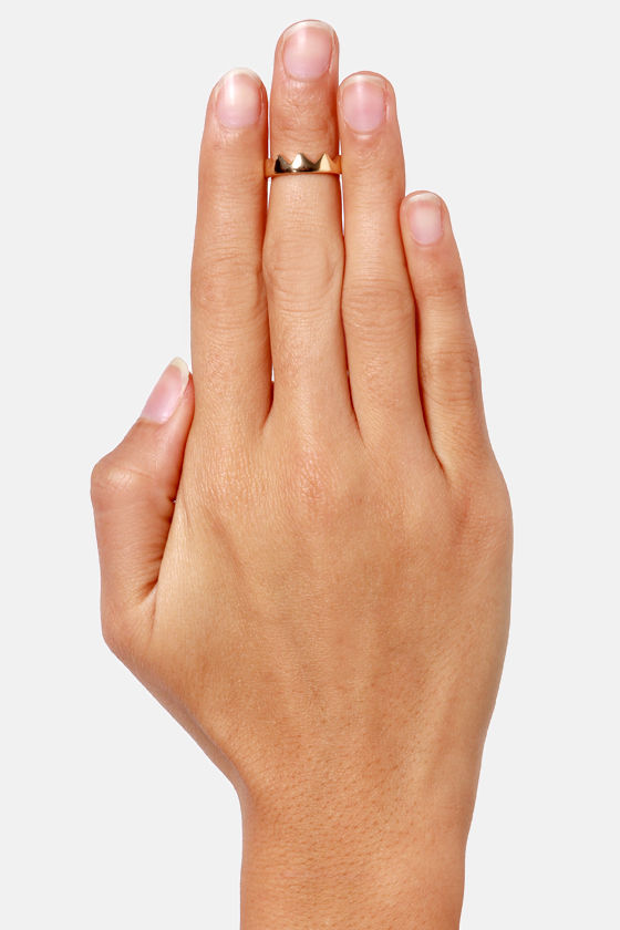 Crown-ton Abbey Gold Crown Knuckle Ring at Lulus.com!