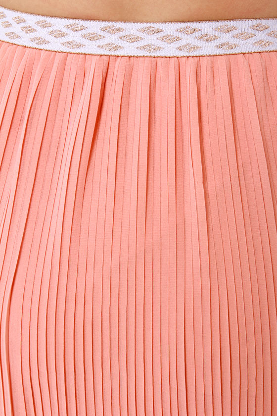 Pleat Retreat Pleated Peach Maxi Skirt at Lulus.com!