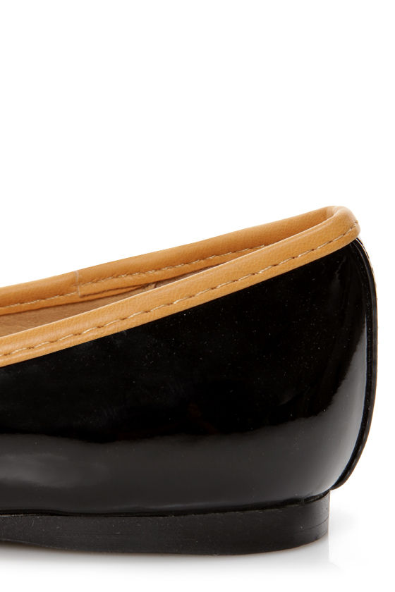Mila 10 Black Patent and Tan Spectator Flats at Lulus.com!