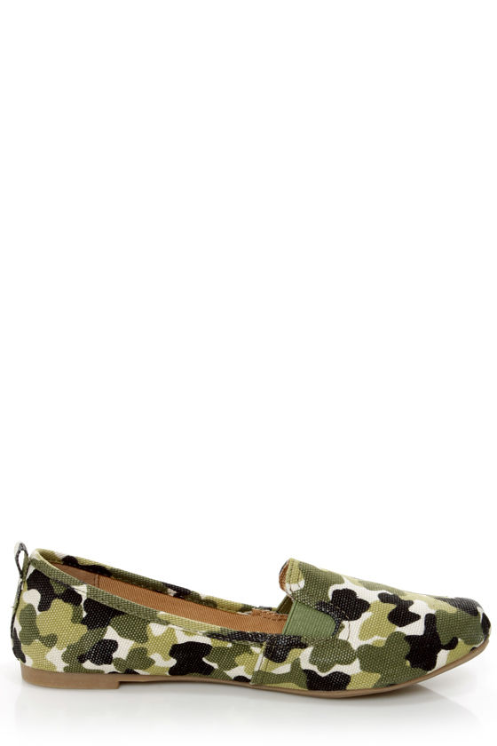 Bamboo Rosalba 01 Camo Print Canvas Deck Shoe Flats at Lulus.com!