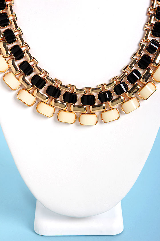 Hot Under the Collar Black and Beige Necklace at Lulus.com!