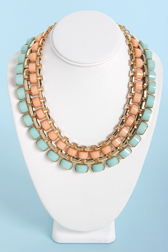 Hot Under the Collar Peach and Mint Necklace at Lulus.com!