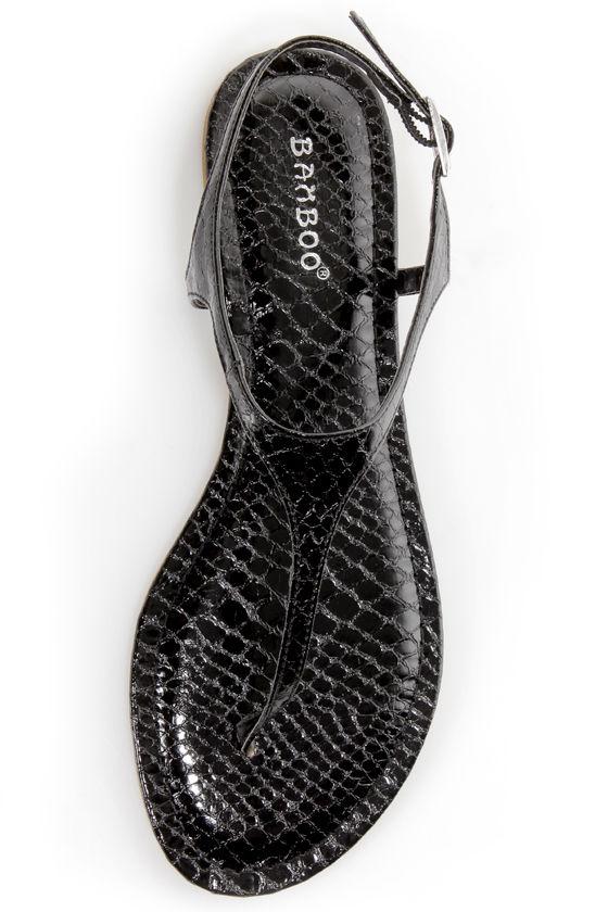 Bamboo Morris 78 Black Snake Thong Sandals at Lulus.com!