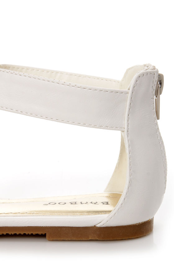 Bamboo Fenchel 13 White Chain T-Strap Sandals at Lulus.com!