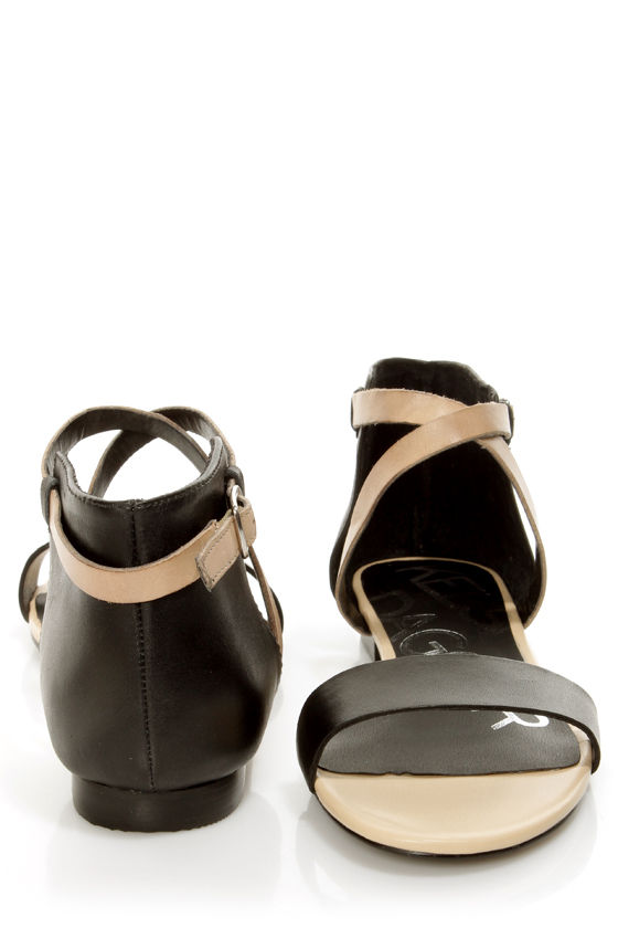 Kelsi Dagger Kacie Black and Beige Leather Flat Sandals at Lulus.com!