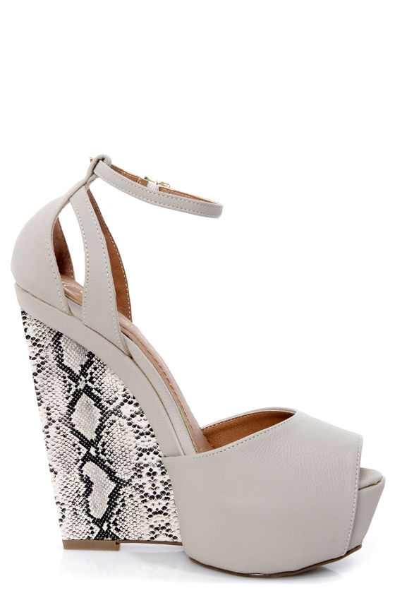 Lexi 5 Off White and Python Print Platform Wedge Sandals at Lulus.com!