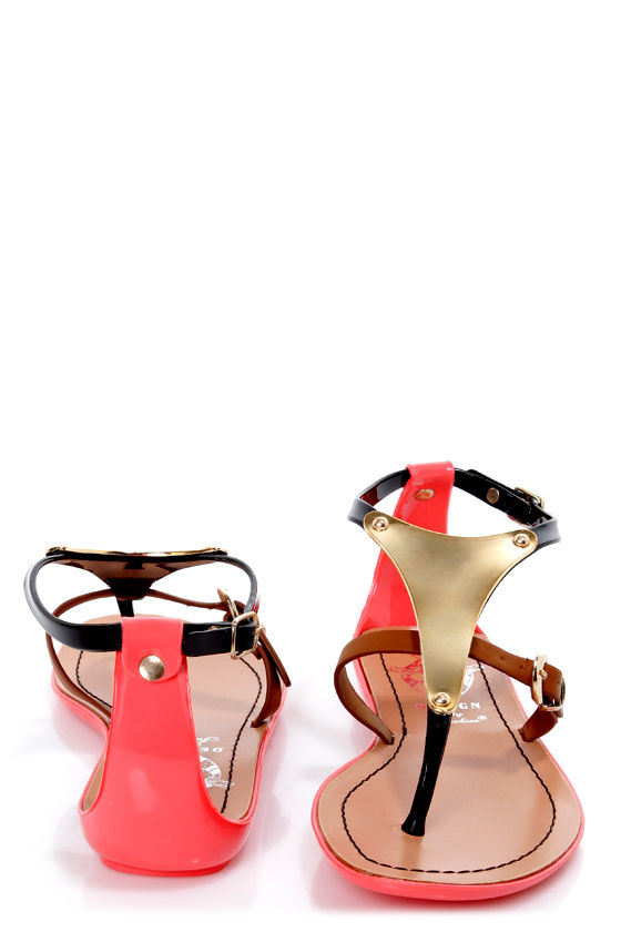 Jelly 1 Black and Gold Plate Thong Sandals at Lulus.com!