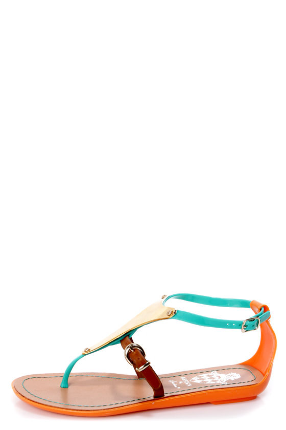 Jelly 1 Green and Gold Plate Thong Sandals at Lulus.com!