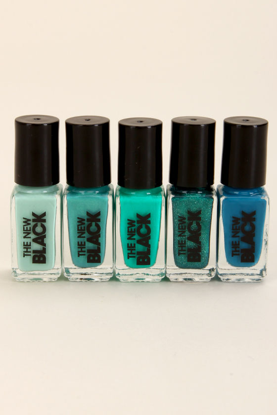 The New Black Ombre Waves Teal Nail Polish Set at Lulus.com!