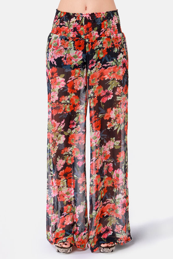 Black Sheep Hard Mod Wide-Leg Floral Print Pants at Lulus.com!
