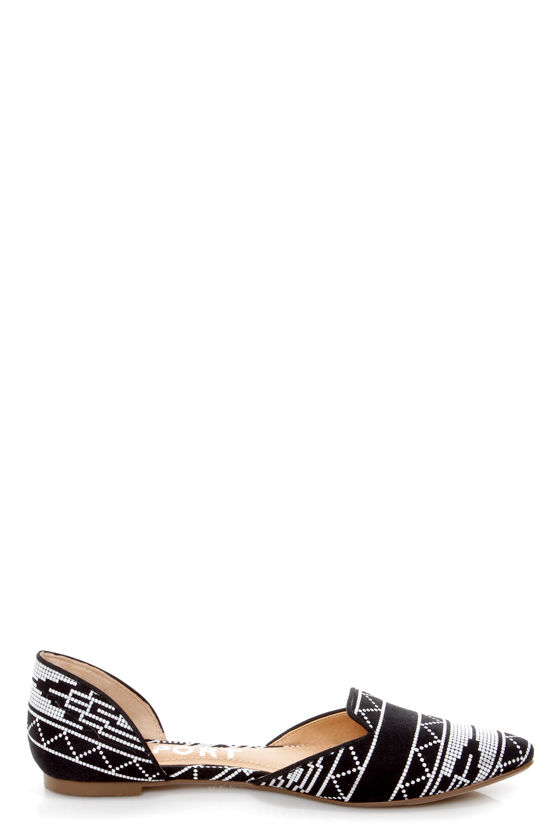 Report Jezzica Black and White Print D'Orsay Pointed Flats at Lulus.com!
