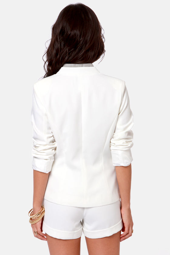 Interview with the Glam Hire Ivory Blazer at Lulus.com!