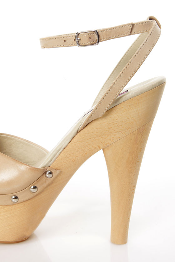 Mojo Moxy Candy Apple Cream Wooden Platform Heels at Lulus.com!