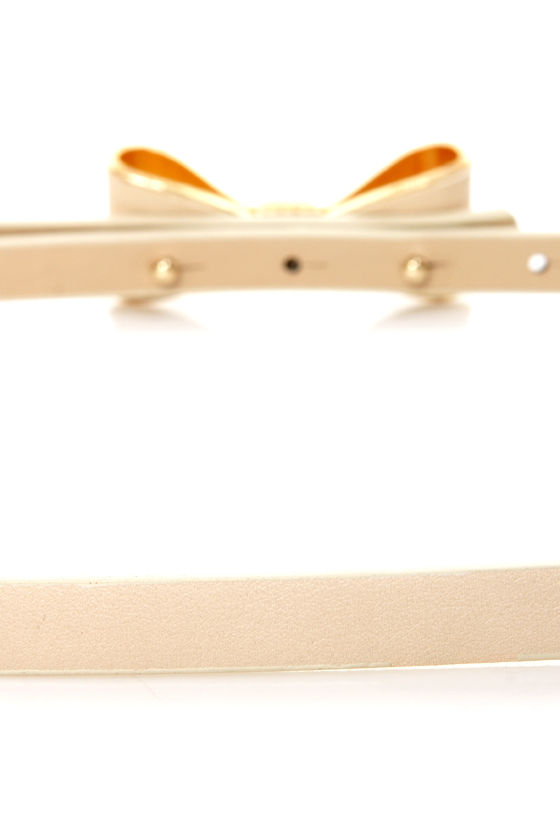 Good to Bow Cream Bow Skinny Belt at Lulus.com!