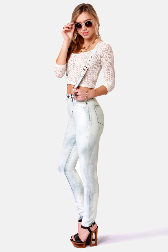 Dittos Santana Acid Washed High-Rise Suspender Jeans at Lulus.com!