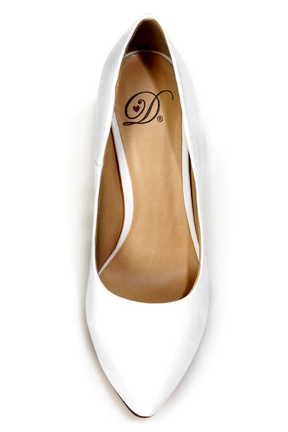 My Delicious Date White Patent Pointed Pumps at Lulus.com!