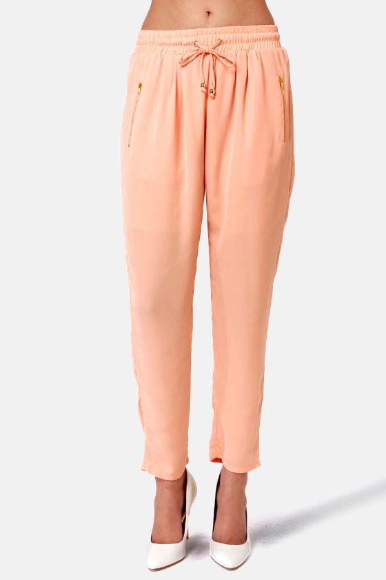 Smoothie Run Peach Pants at Lulus.com!