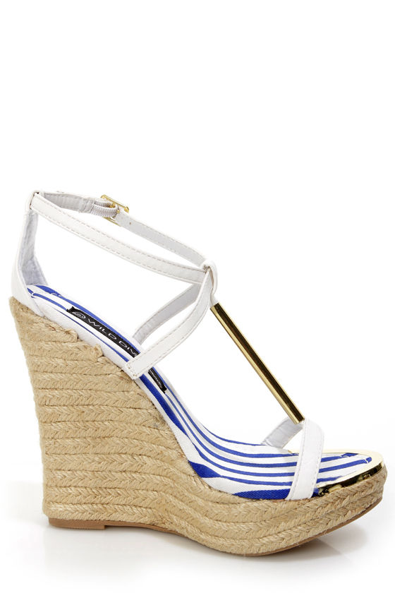 Wild Diva Lounge Madison 50B White T-Strap Espadrille Wedges at Lulus.com!
