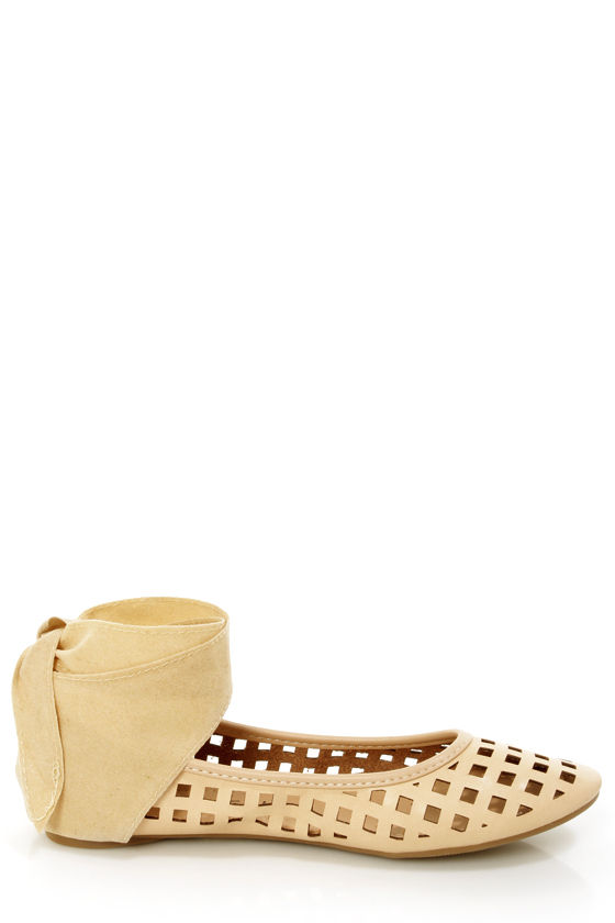 Jaclyn 11 Beige Ankle Cuff Cutout Flats at Lulus.com!