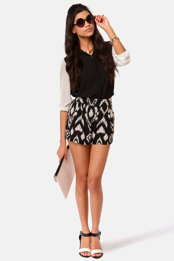 A Pair to Remember Black and Cream Print Shorts at Lulus.com!