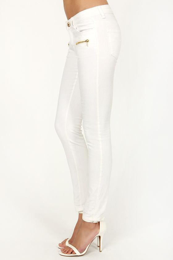 Moto Raven White Skinny Jeans at Lulus.com!