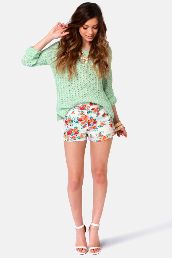 You Make Me Wanna Sprout Floral Print Shorts at Lulus.com!