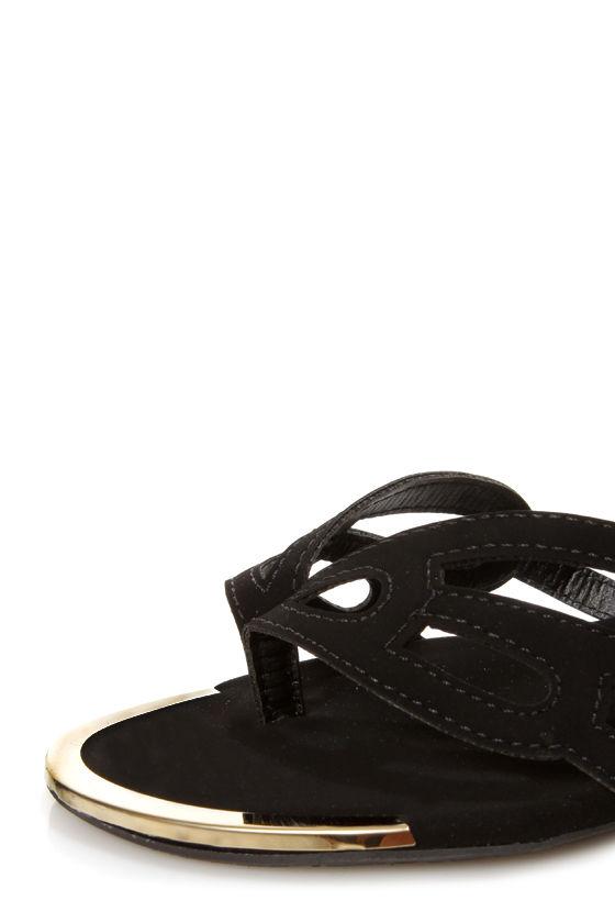 Bamboo Dalinda 30 Black Scalloped Cutout Thong Sandals at Lulus.com!