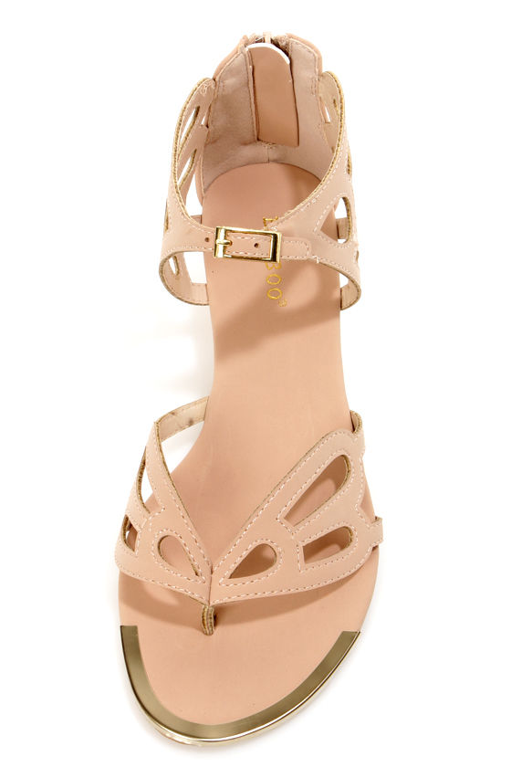 Bamboo Dalinda 30 Nude Scalloped Cutout Thong Sandals at Lulus.com!