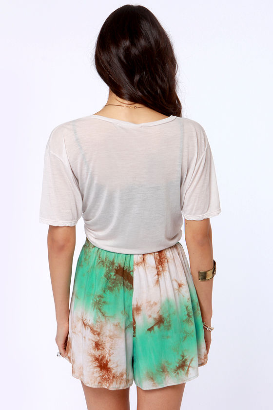 Gypsy Junkies Suzy Tie-Dye Shorts at Lulus.com!