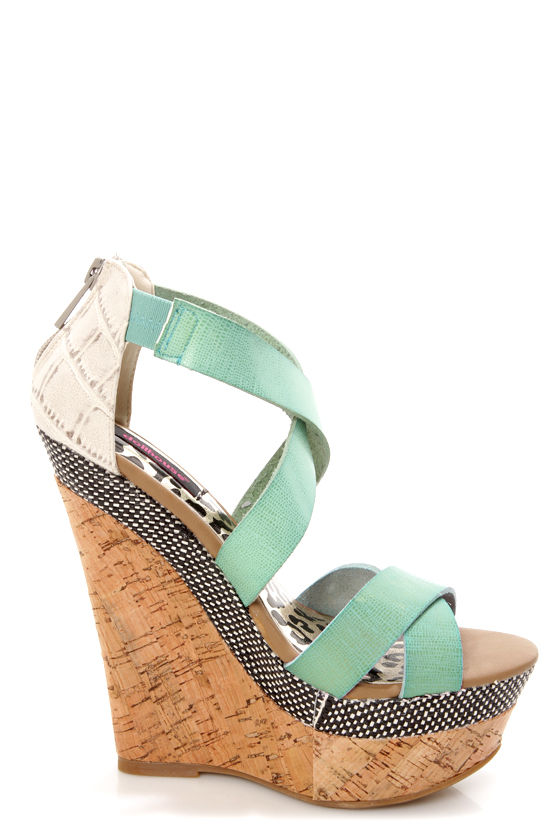 Dollhouse Precise Mint Textured Platform Wedge Sandals at Lulus.com!