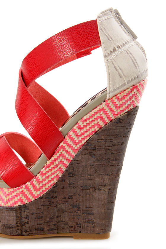 Dollhouse Precise Red Textured Platform Wedge Sandals at Lulus.com!