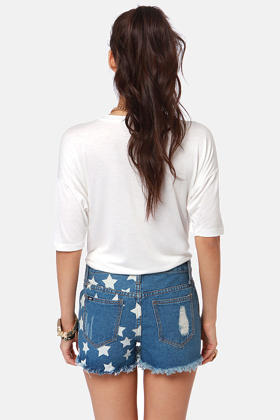 Lira You're a Star Distressed Star Print Jean Shorts at Lulus.com!