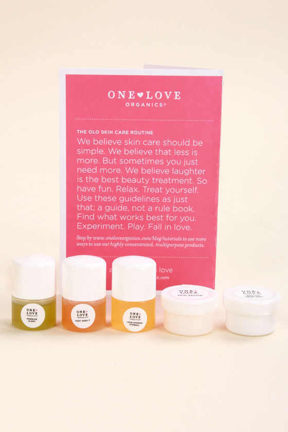 One Love Organics The Essentials Sample Pack at Lulus.com!