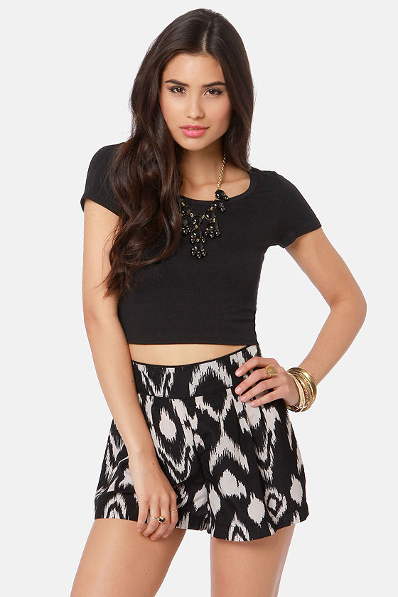 Jersey Devil Black Crop Tee at Lulus.com!