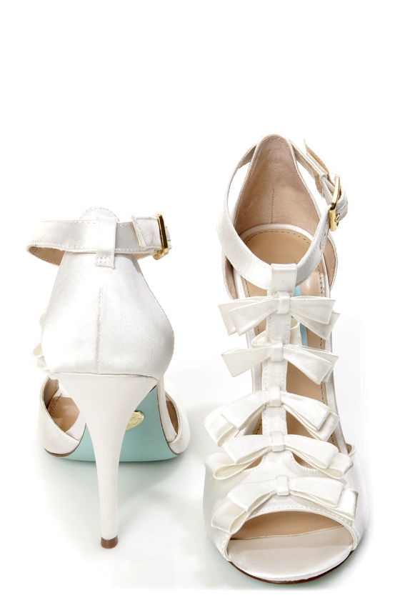 Betsey Johnson SB-Knot Ivory Satin Bow-Topped T-Strap Heels at Lulus.com!