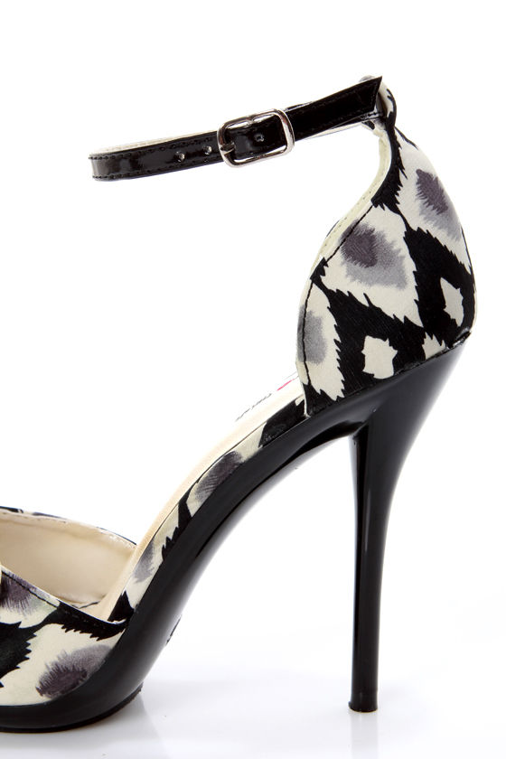 Promise Bow Black Ikat Print Knotty Bow Peep Toe Heels at Lulus.com!