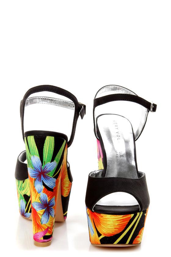 Very Volatile Comeback Black Tropical Print Platform Sandals at Lulus.com!