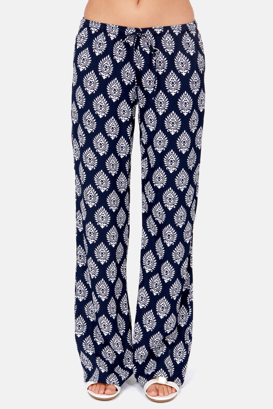 Lucy Love Santa Cruz Navy Blue Print Pants at Lulus.com!