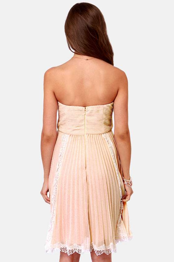 Pretty In Pleats Blush Pink Strapless Lace Dress at Lulus.com!