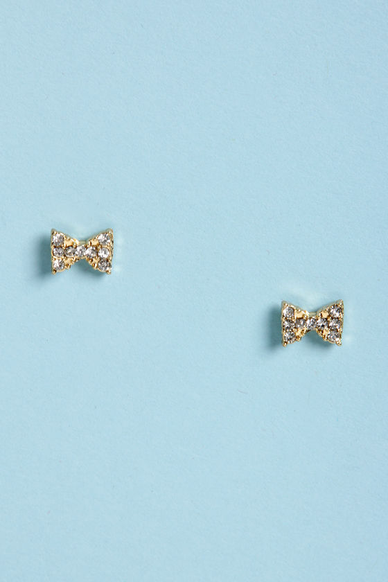 Bow-Re-Mi Gold Bow Earrings at Lulus.com!